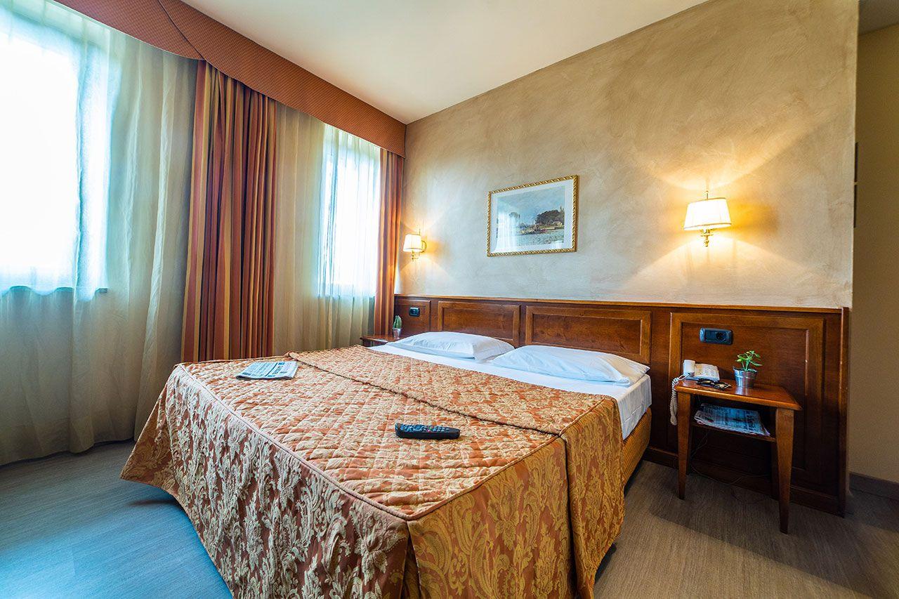 Camera Deluxe Hotel Gardenia Romano Canavese